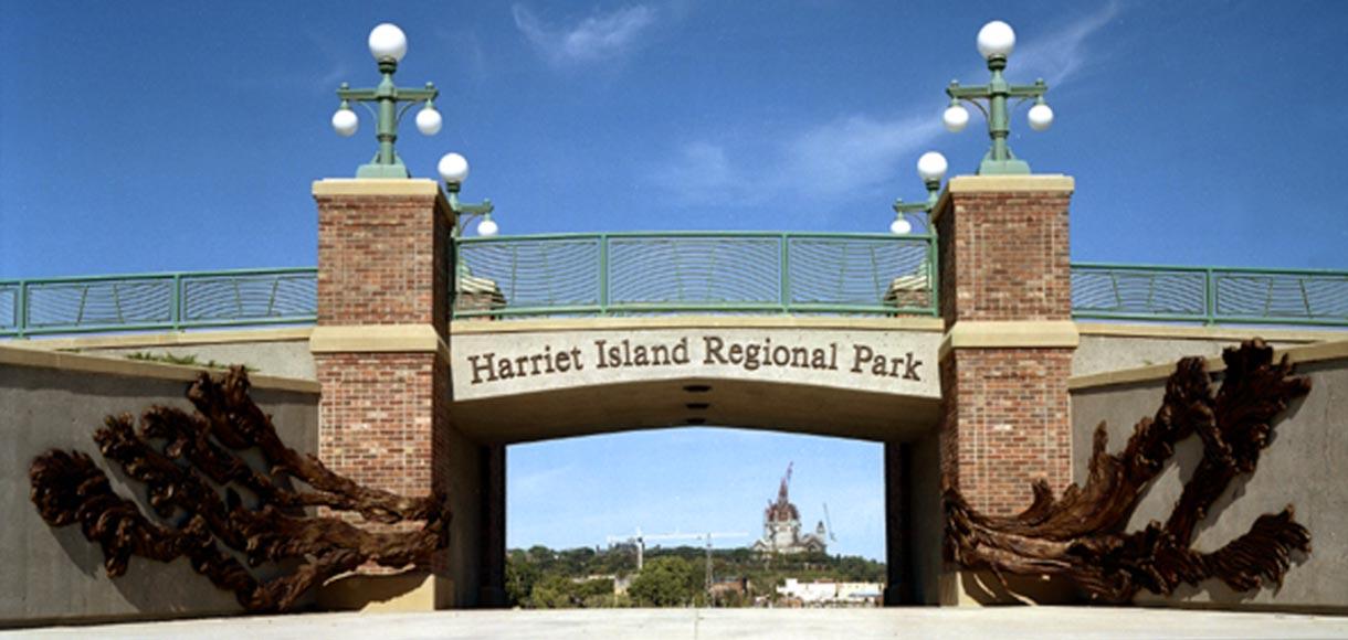 Photo of Harriet Island Gateway